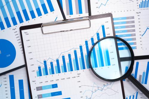 Statistics of social selling
